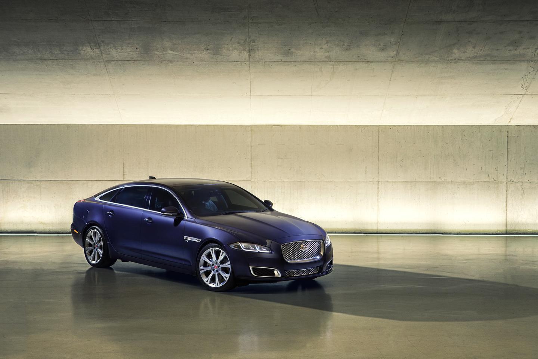 The 2016 Jaguar XJ has all-aluminum construction