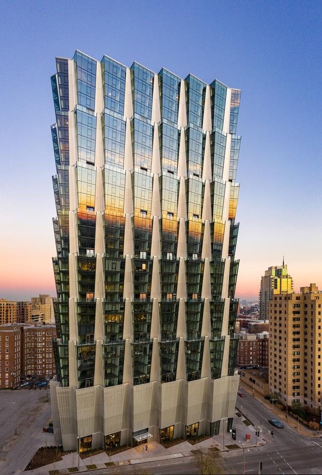 One Hundred has a total floorspace of 520,000 sq ft (roughly 48,300 sq m), most of which is taken up by 316 apartments
