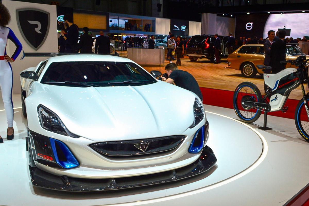 Rimac's Concept S, in four- and two-wheel styles