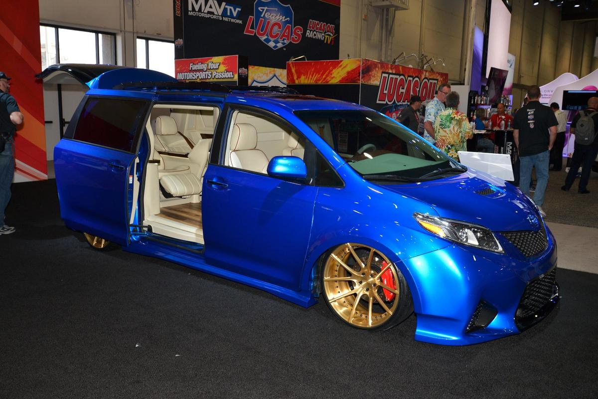 Toyota Extreme Sienna at SEMA2016