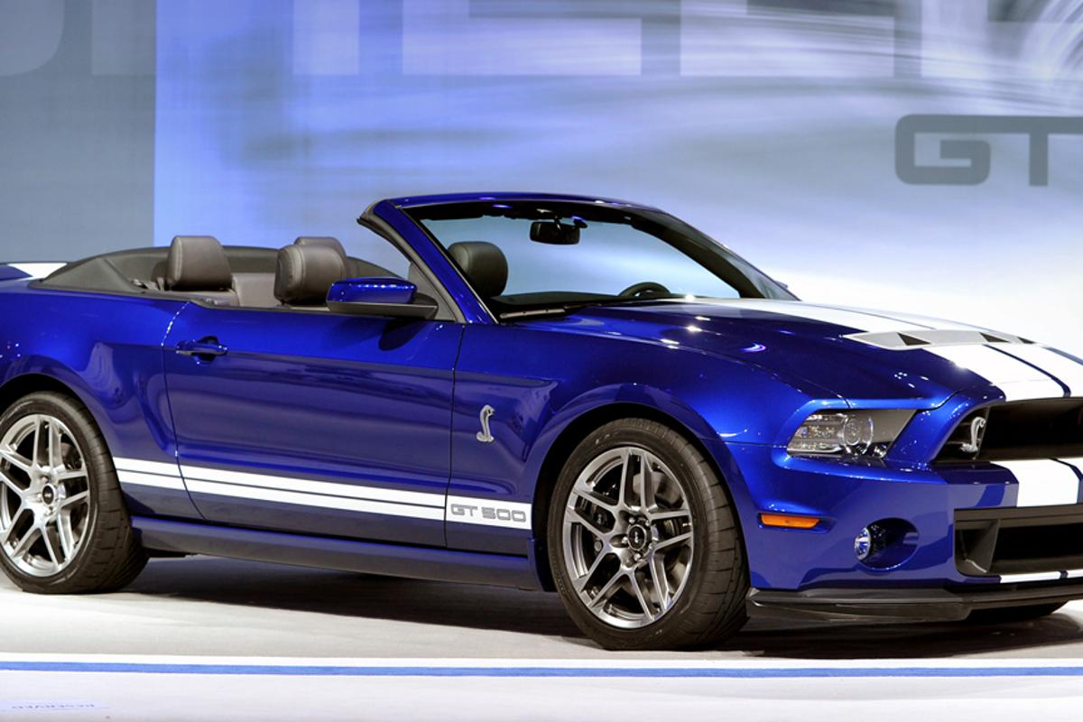 The 2013 Shelby GT500 convertible debuted in Chicago to mark SVT's 20th anniversary