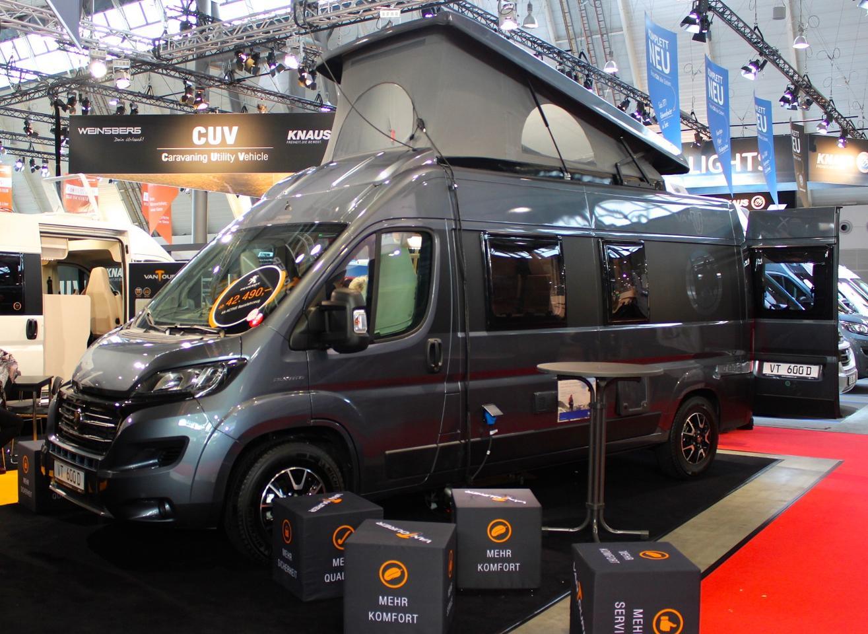 VanTourer shows the 600 D with dual rear beds