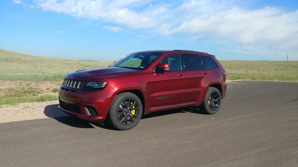 The 2018 Jeep Grand Cherokee SRT Trackhawk is similar to the standard Grand Cherokee models in its size and layout
