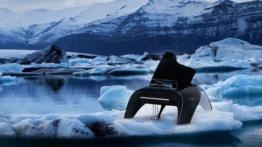 Robert Majkut's Whaletone piano