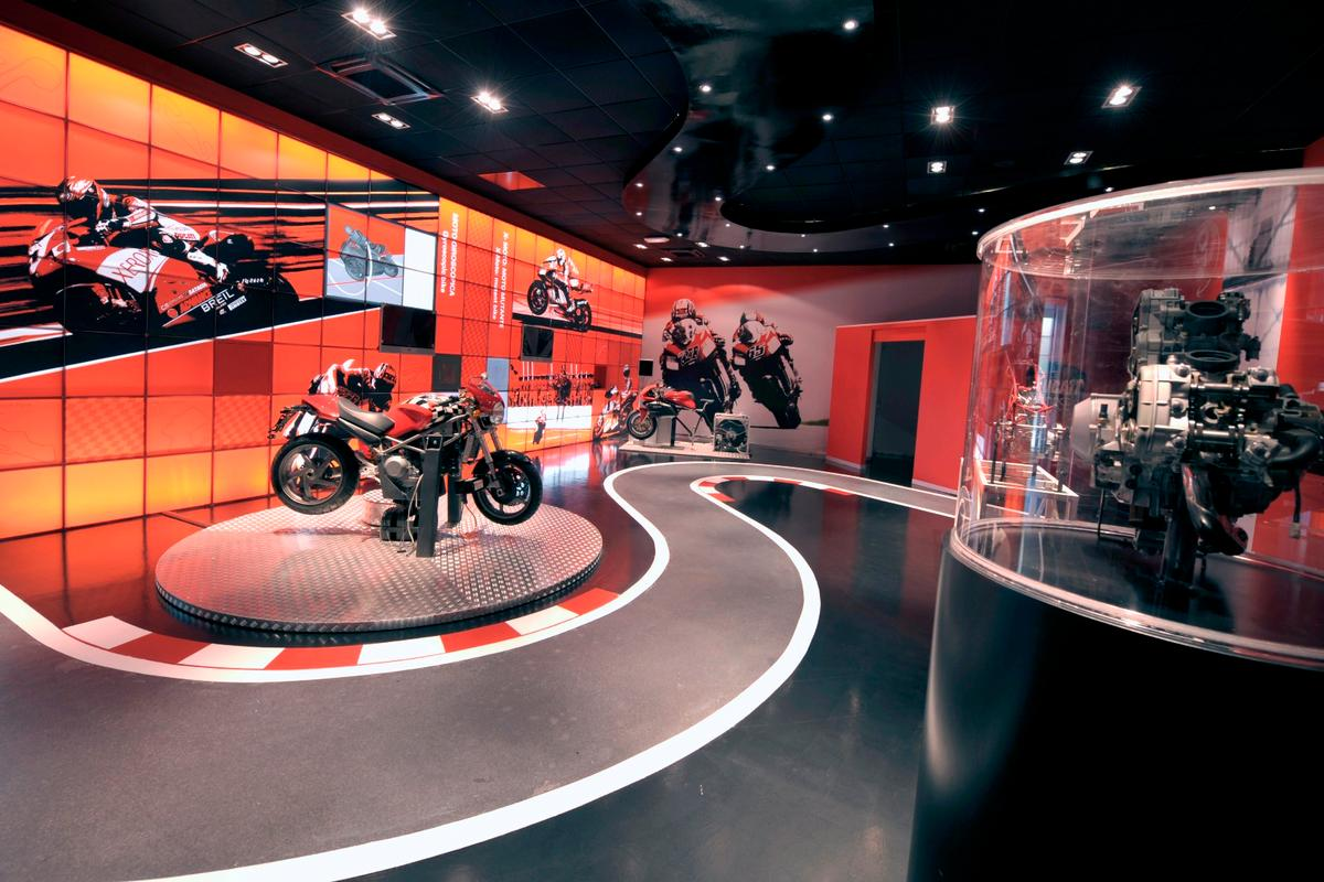 The final room of the Fisika in Moto is called the MotoGP of Physics and is decorated accordingly