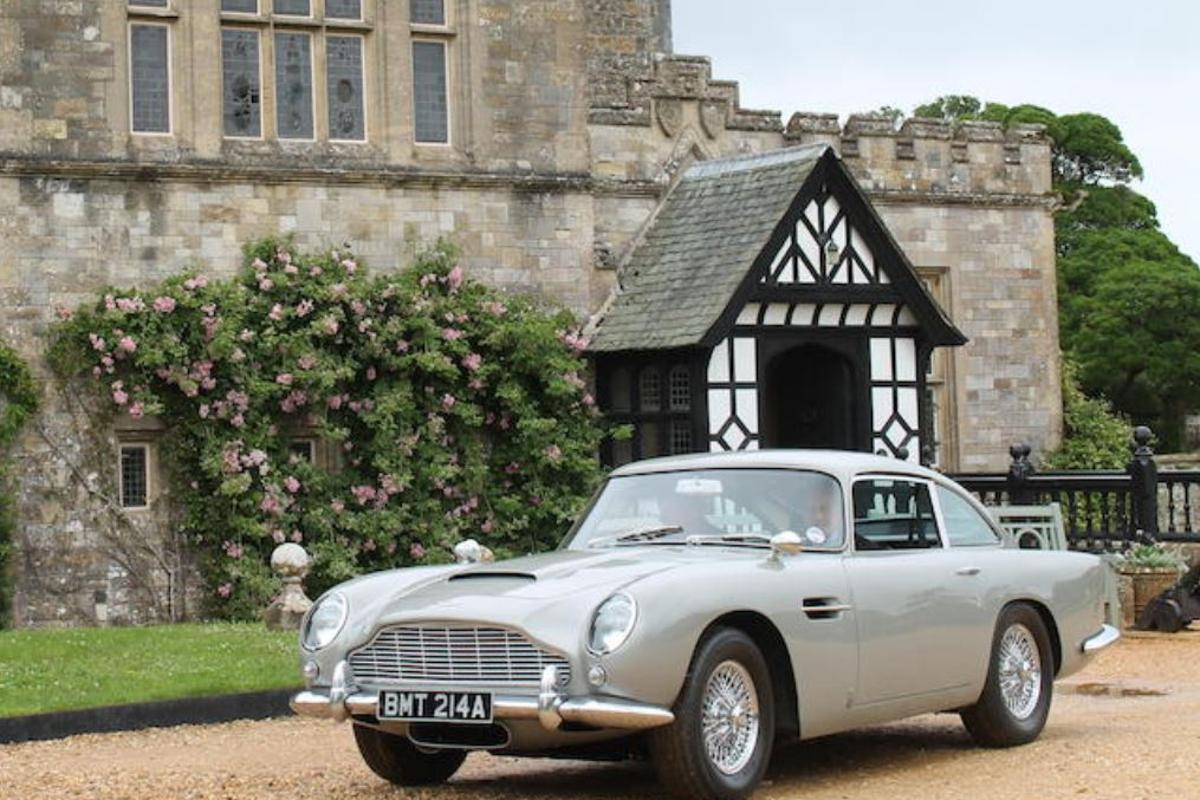 The Aston Martin DB5 up for auctionwas featured in the Bond movie GoldenEye