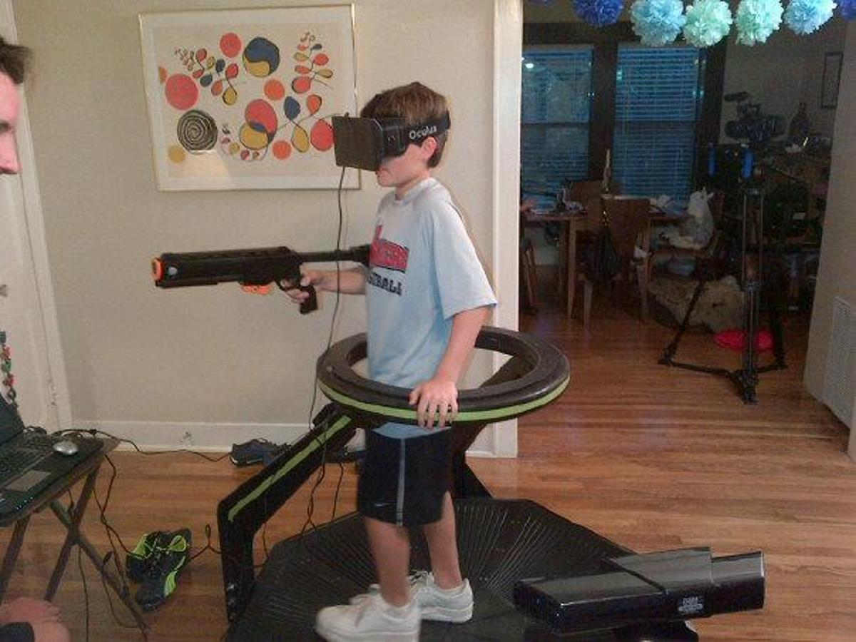 The Omni is an omni-directional treadmill that can be used together with a VR headset, such as the Oculus Rift