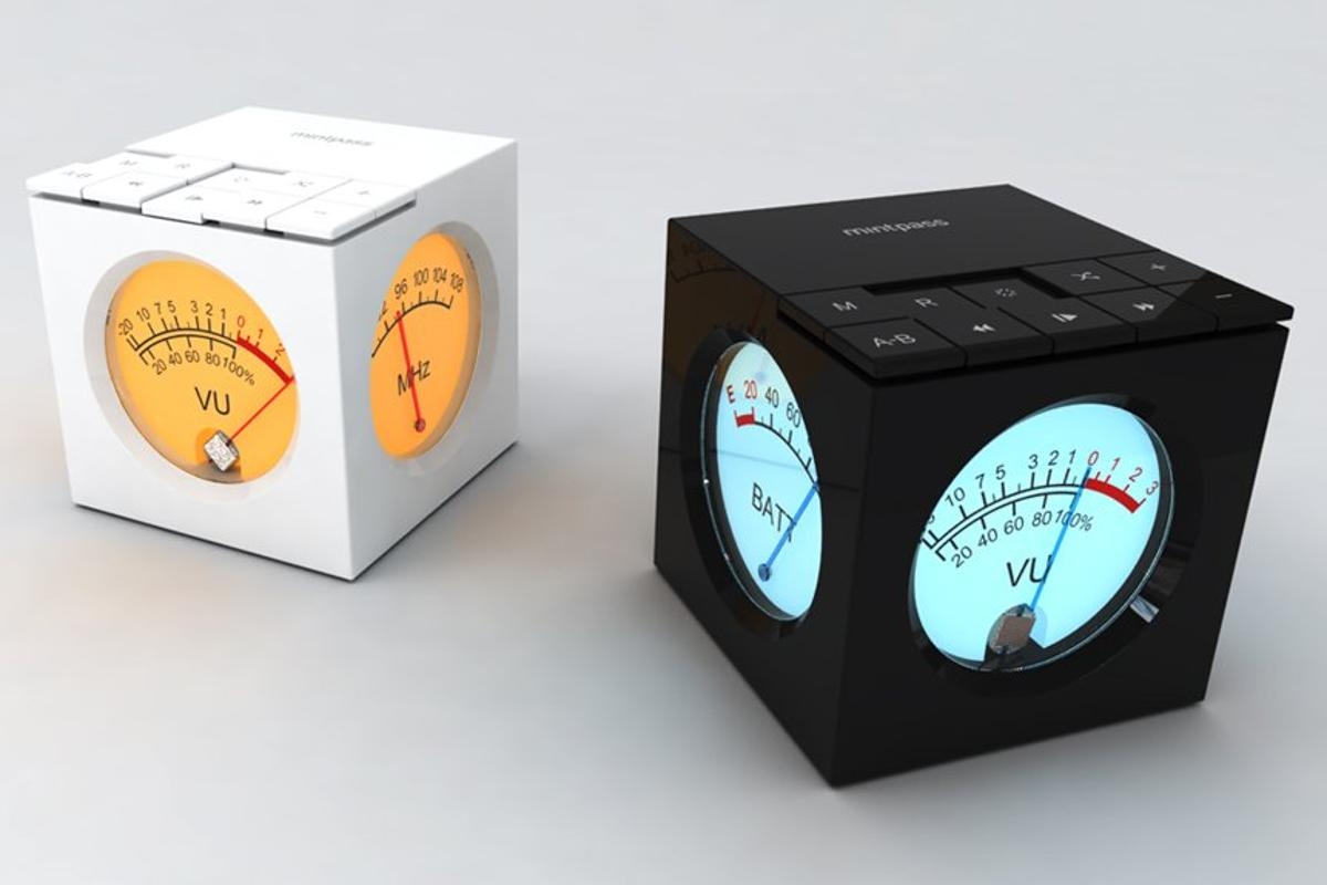 The backlit analog needle window of the Mintcube concept