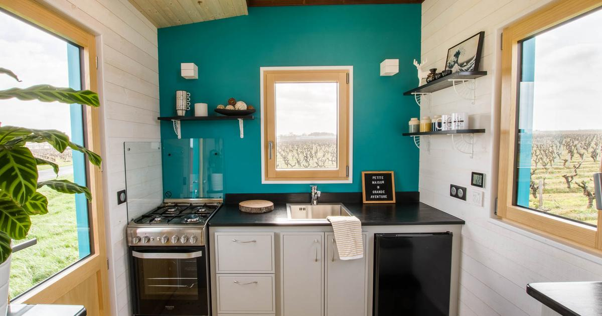 Bold tiny house provides meals on wheels