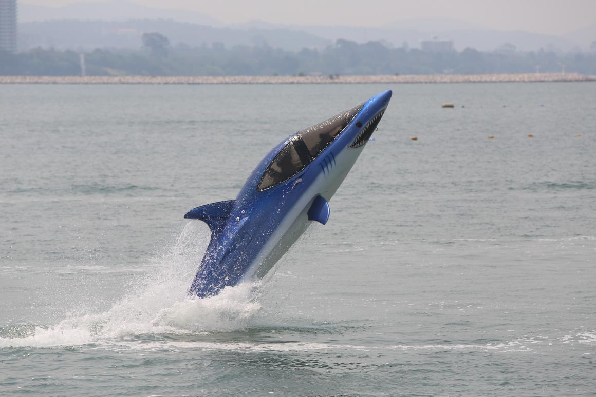 Video: Flight testing the Seabreacher X – the 300 horsepower