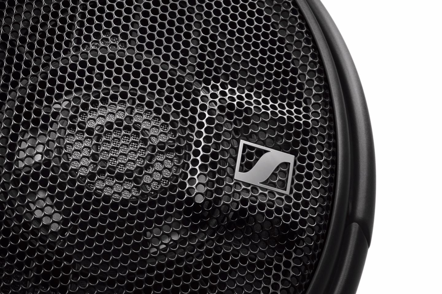 The new transducers in theHD 660 S open-back headphones are pairedby hand, and are said to ensure low harmonic distortion and an authentic life-like sound