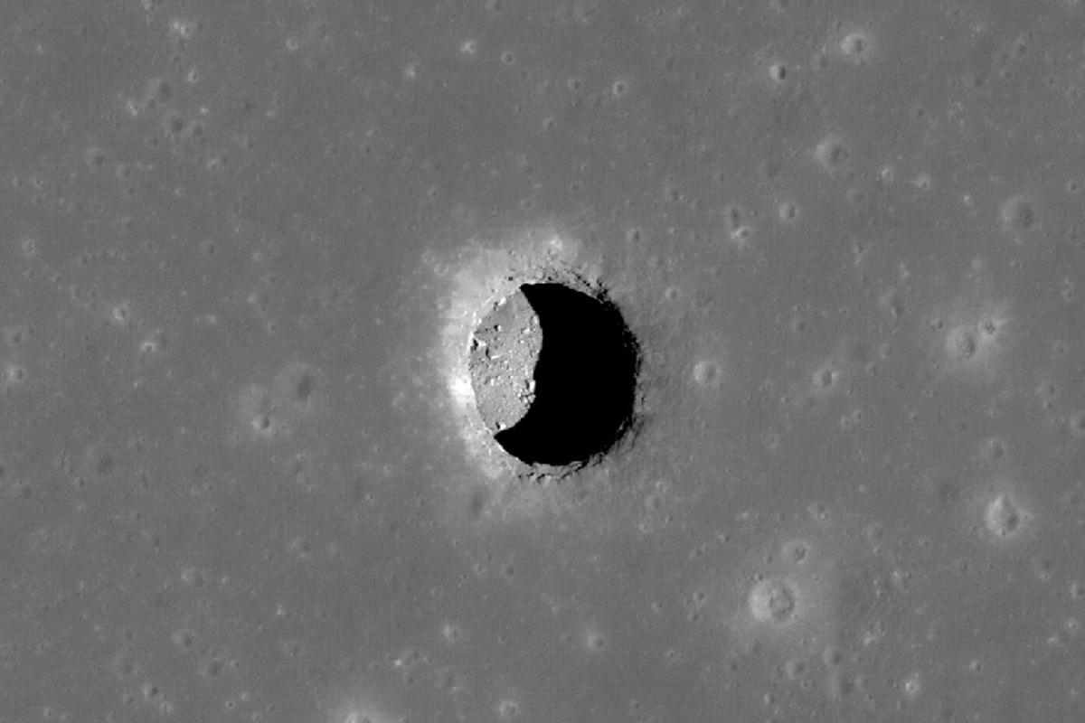 Moon pit in the Mare Tranquillitatis (Image: NASA/GSFC/Arizona State University)