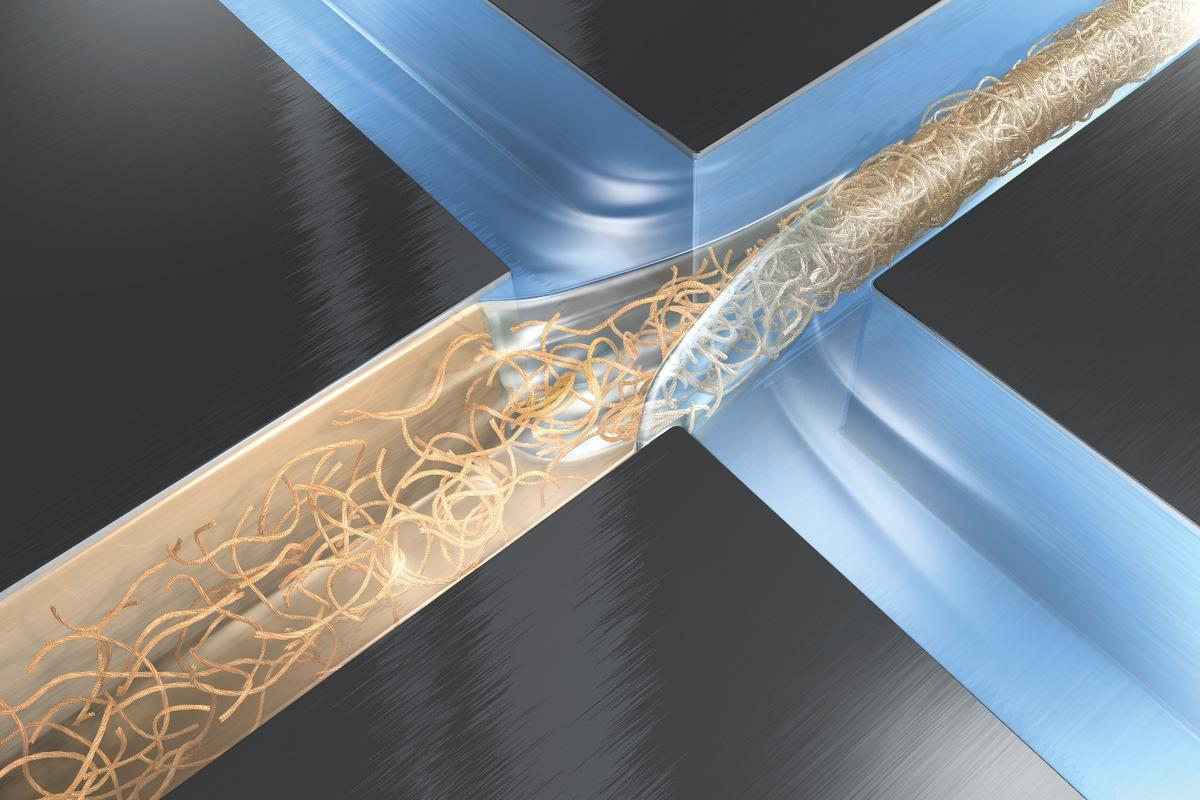 Hydrodynamic focussing is used to form the nanofibrils into a single fiber