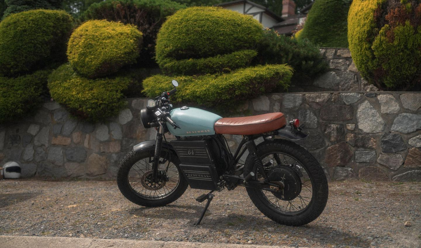 The Beachman '64's motor is powered by a removable 40-Ah lithium-ion battery, one full charge of which should reportedly be good for a range of 90 km (56 miles)
