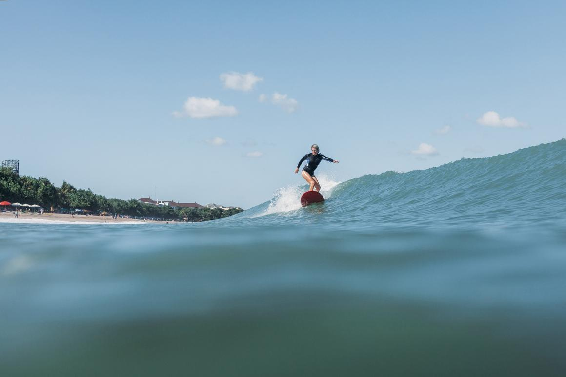 Can cleverly placed lights keep surfers safe?