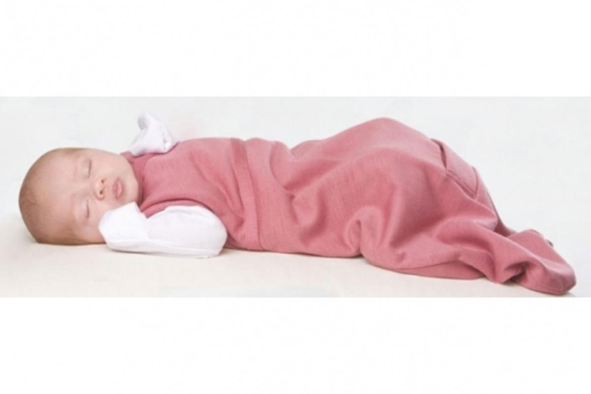 Cocooi sleep bag keeps baby warm and safe