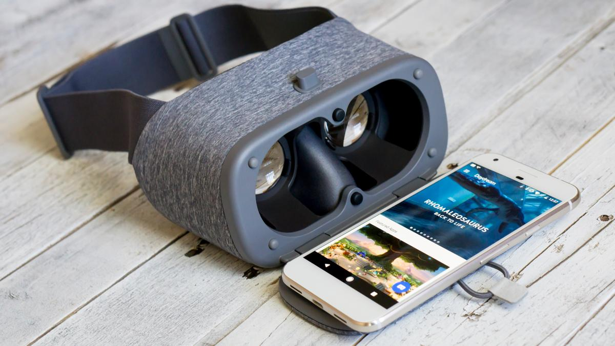 New Atlas reviews Google's first VR headset, the mobile Daydream View