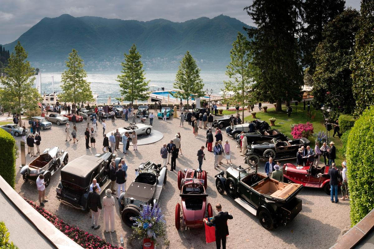 The cars from Class A (Goodbye Roaring Twenties: The Birth Of The Concorso) sit in the foregound at Concorso d'Eleganza Villa d'Este
