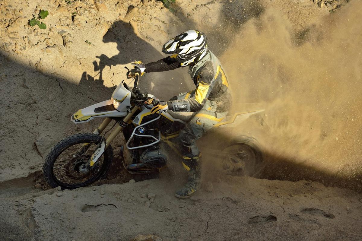 The Touratech R1200GSRambler is a 125-hp, 188-kgbeast of anadventure bike