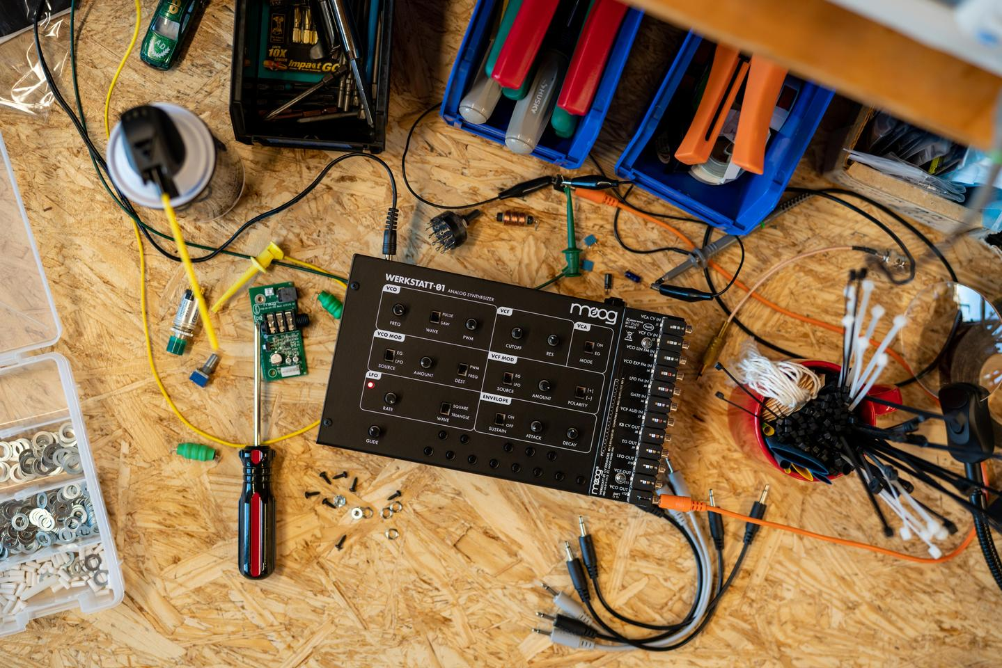 The Werkstatt-01 was originally designed as an educational tool for teaching electronics assembly