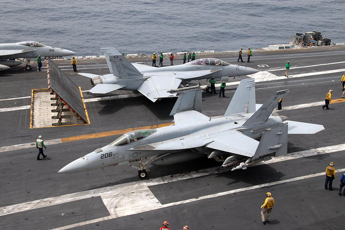 A new computer system has been designed to make managing the traffic on aircraft carrier flight decks more efficient