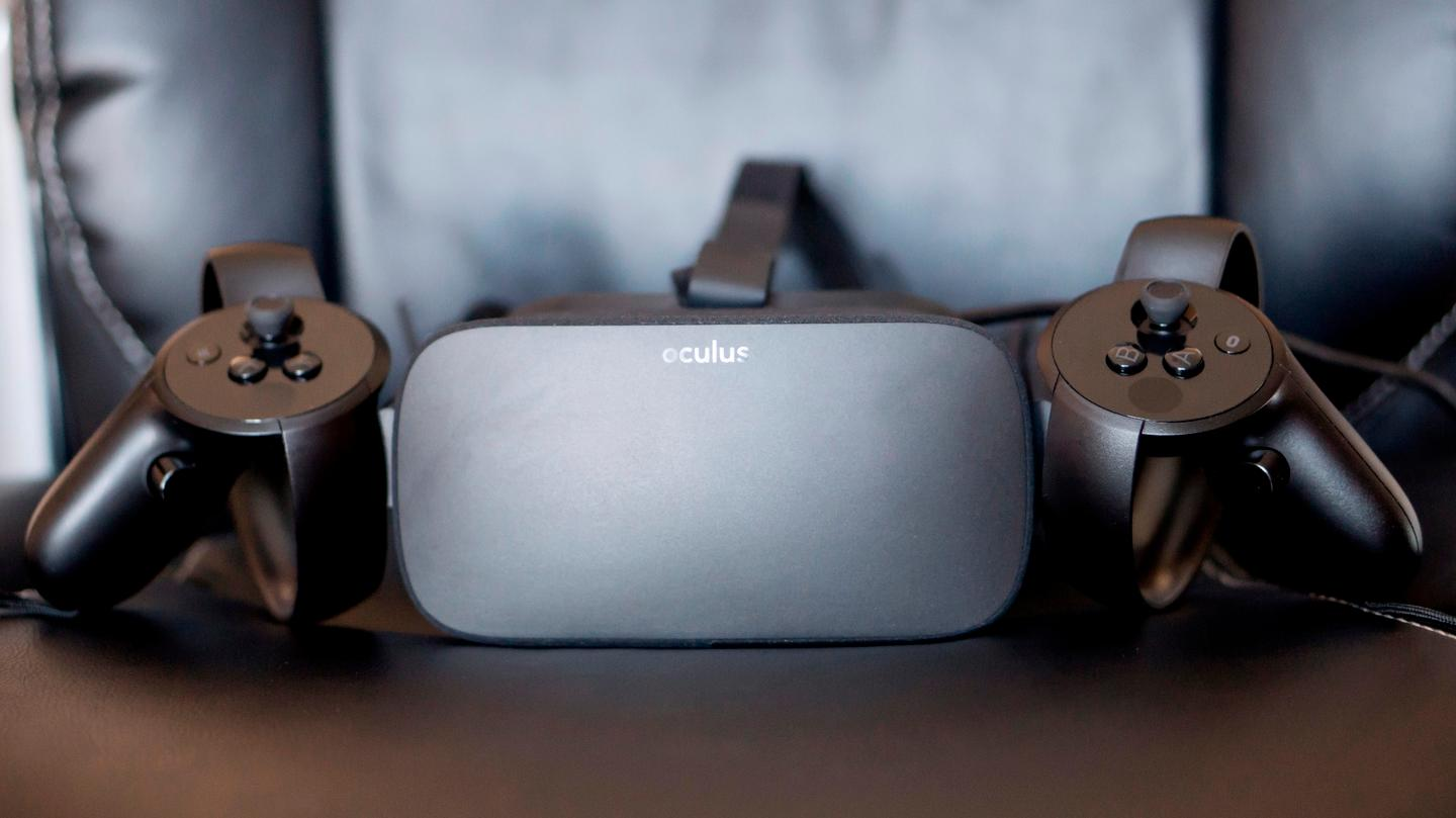 Oculus Rift, flanked by its trusty Touch controls