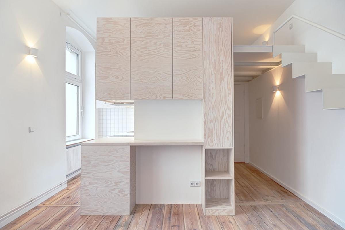 The Micro-Apartment Moabit is an early-1900s Altbau (period building) located in Berlin (Photo: Ringo Paulusch)