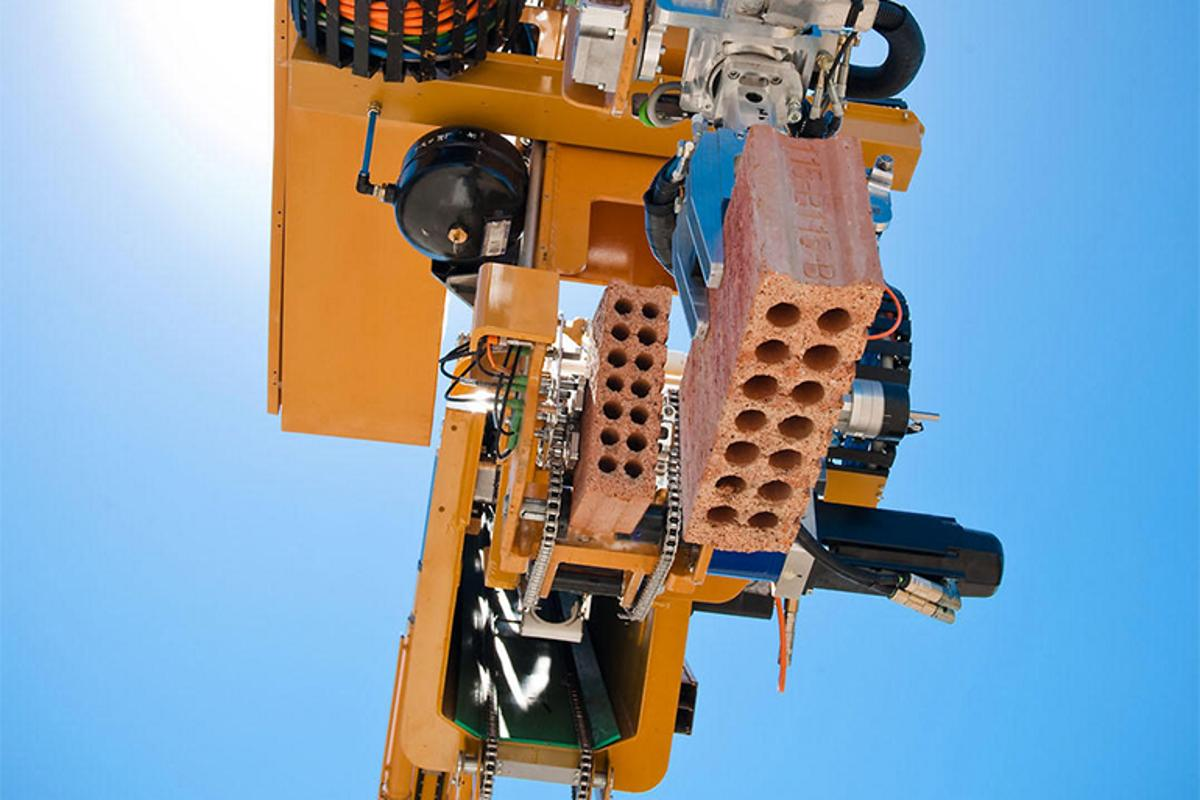 The Hadrian robot can lay up to 1,000 bricks per hour