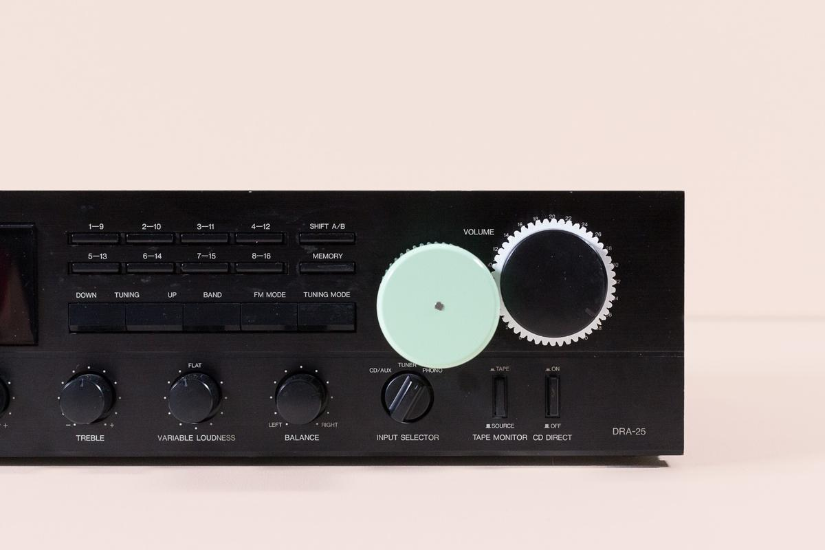 Volume on a hi-fi amp can be adjusted by attaching a Smartians actuator unit to the front and controlling actions wirelessly using a smartphone app