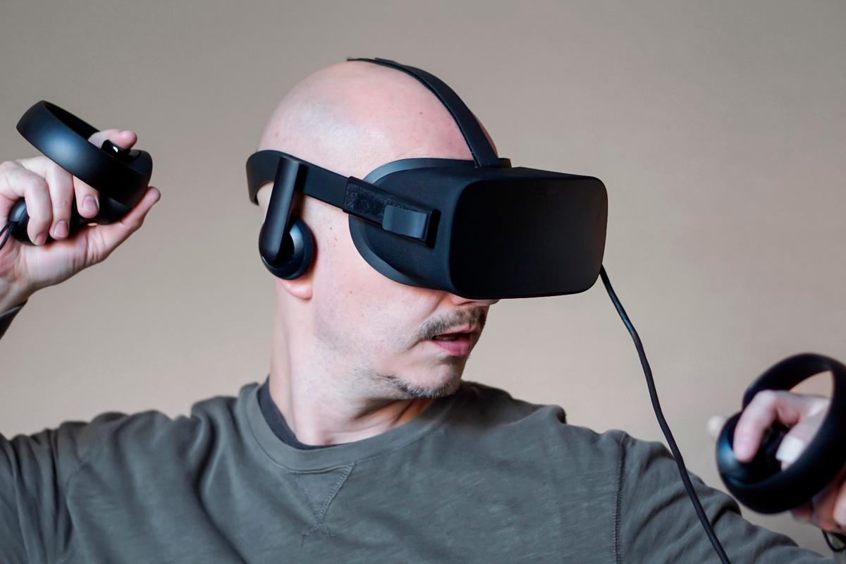 New Atlas reviews the Oculus Rift withexcellent Touch controllers