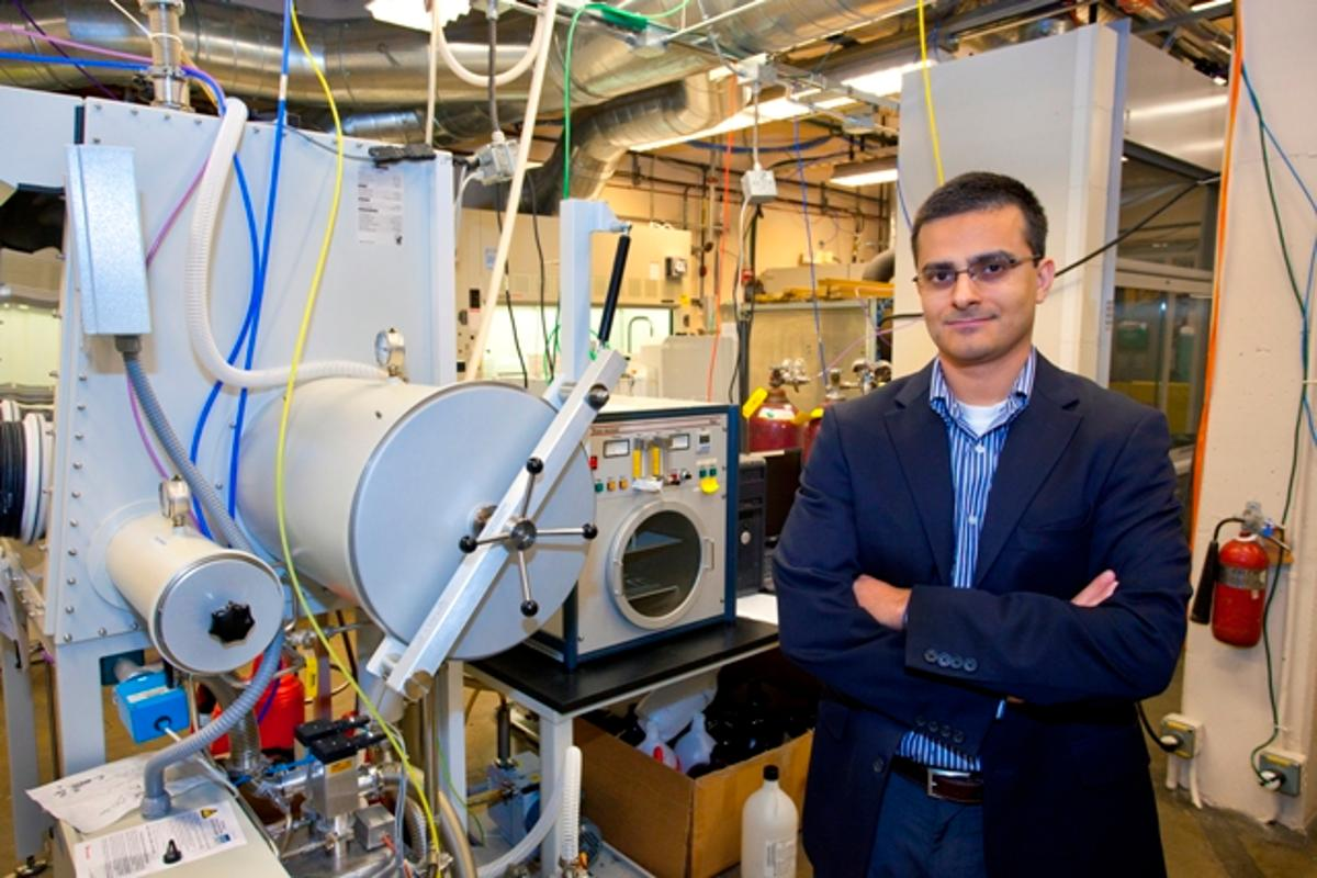 Chemist Ali Javey, who led development of the tapered nanopillars (Photo: Berkeley Lab)