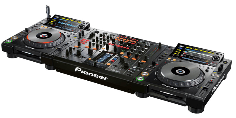 The Pioneer CDJ-2000nexus working with a mixer