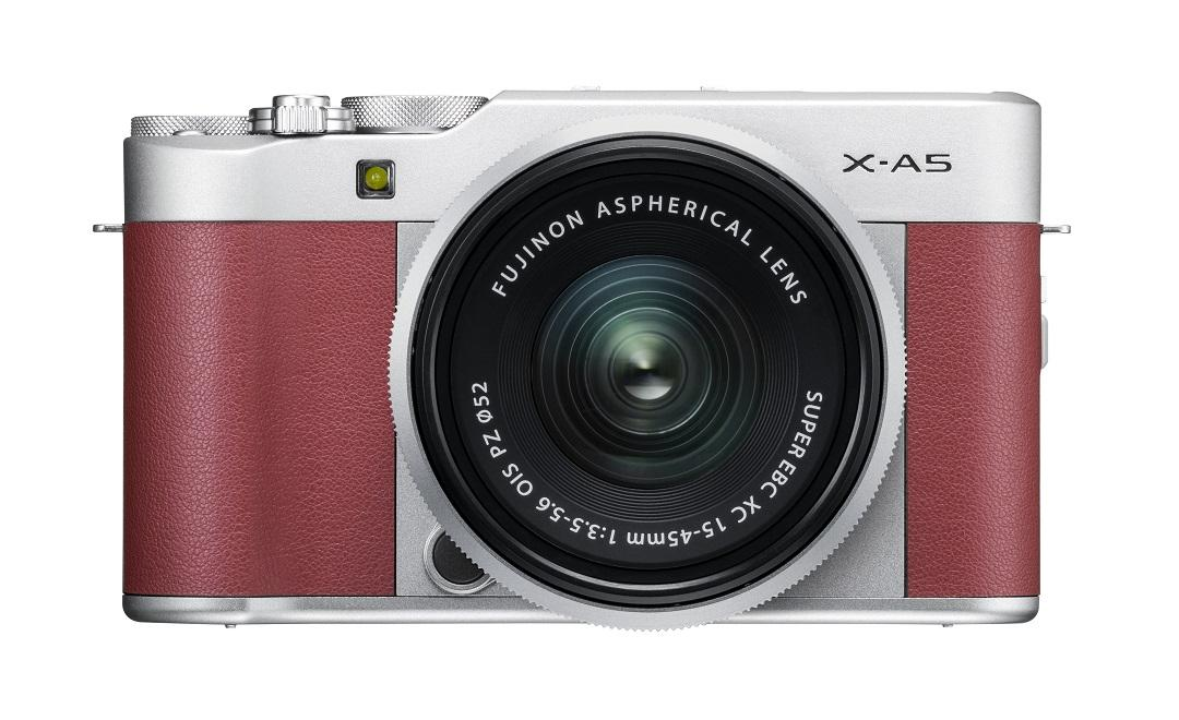 The X-A5 mirrorless camera comes supplied with a brand new wide-angle zoom lens