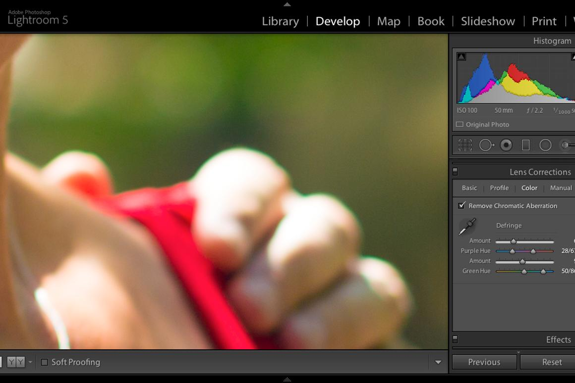 How to remove chromatic aberration (color fringing) in Adobe