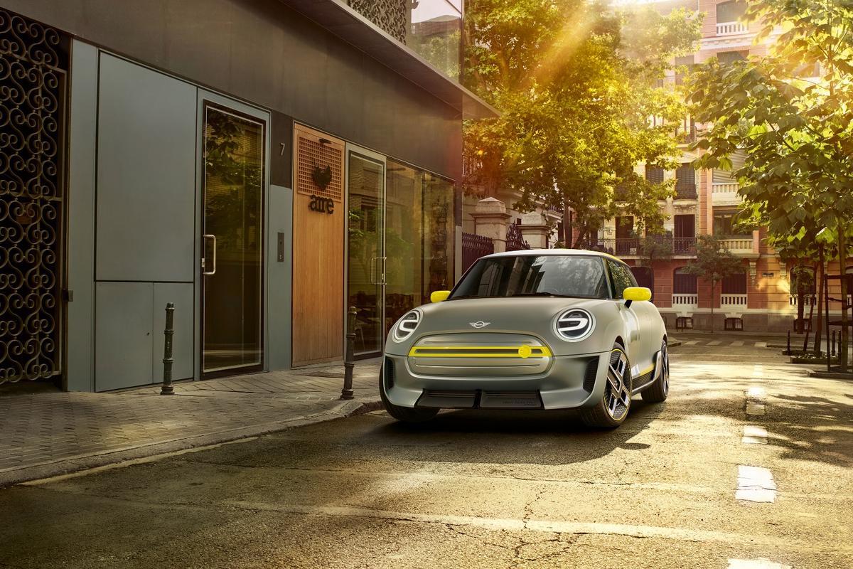 The Mini Electric Concept will debut in Frankfurt at IAA 2017