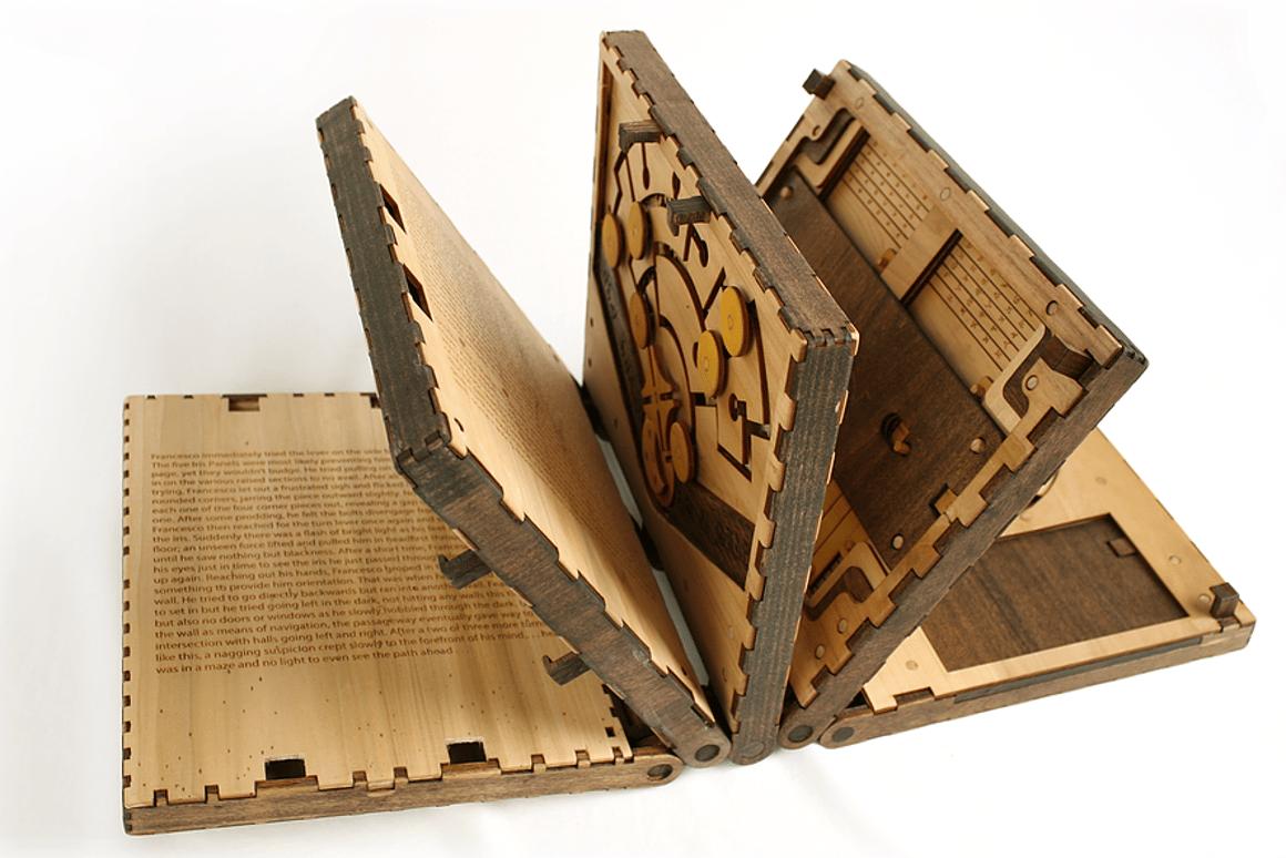 Codex Silenda tells the story of an apprentice caught in a trap in LeonardoDaVinci's workshop