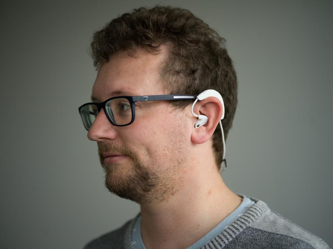 Hooke Verse: over-ear headset with in-ear headphones and microphones