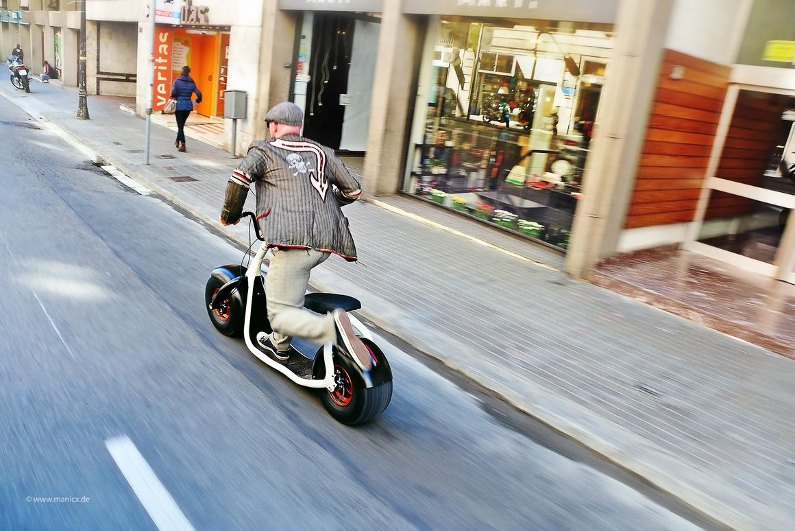 The Scrooser is an electric scooter that amplifies leg kicks delivered to the ground by its rider