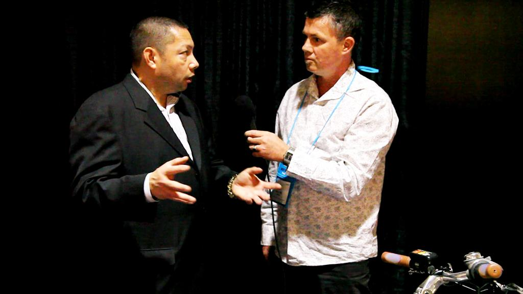 Sanyo's David Cabanban details some of the technology furthering Sanyo's 'Clean Energy Loop' concept at CES 2010