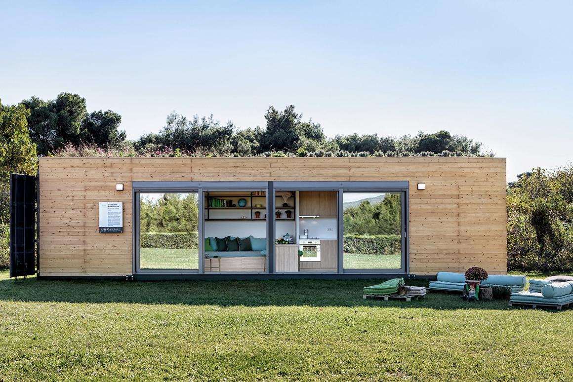 Cocoon Modules' shipping container house comprises a total floorspace of 320 sq ft (29.7 sq m) as standard