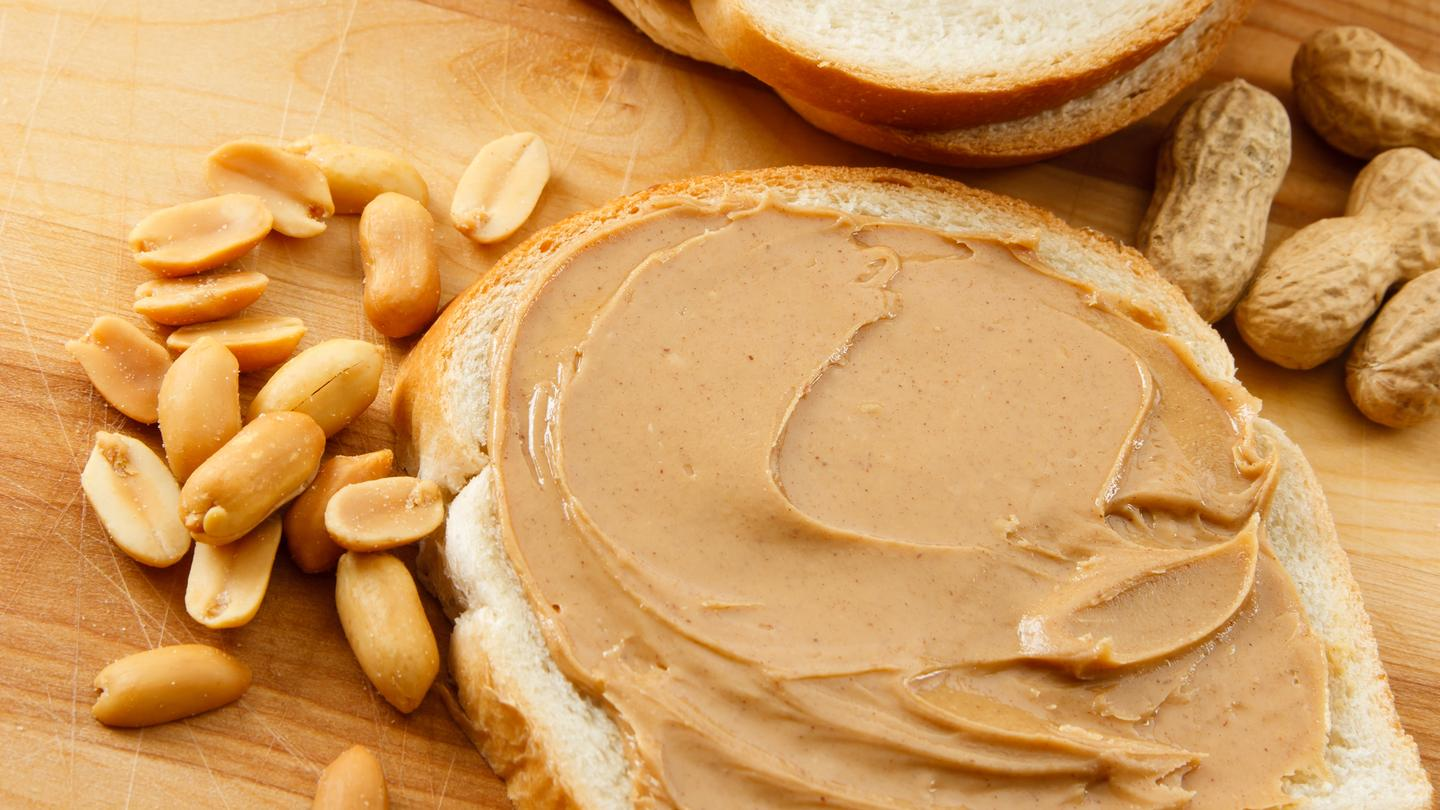 Researchers have found that common gut bacteria prevent sensitization to peanut allergens in mice (Photo: Shutterstock)