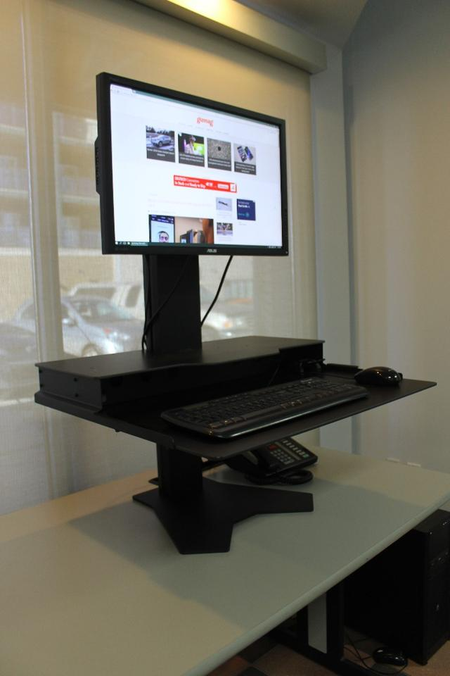 The version of The Duke that we received is designed for a computer setup with a single VESA-mount monitor