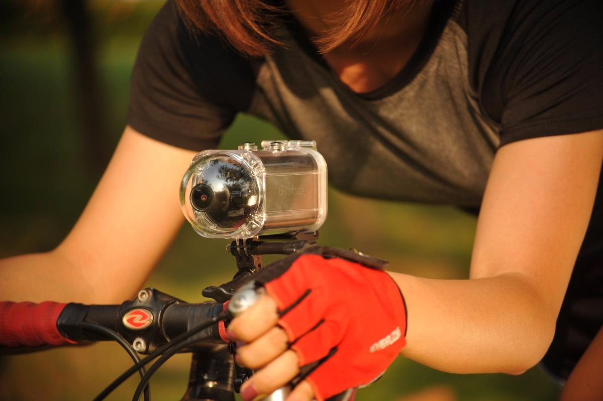 The GimbalCam has a built-in 3-axis gimbal, along with digital image stabilization software
