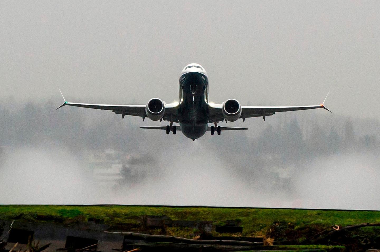 The 737 MAX flying over Lake Washington