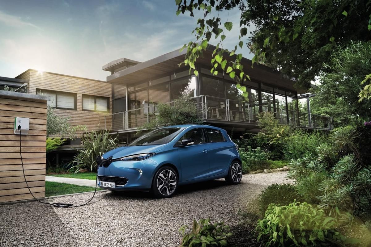 The Renault Zoe's new battery is physically the same size as the one it replaces, but offers double the range