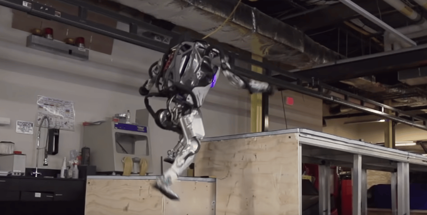 Boston Dynamics' Atlas robot can now bound up boxes parkour style