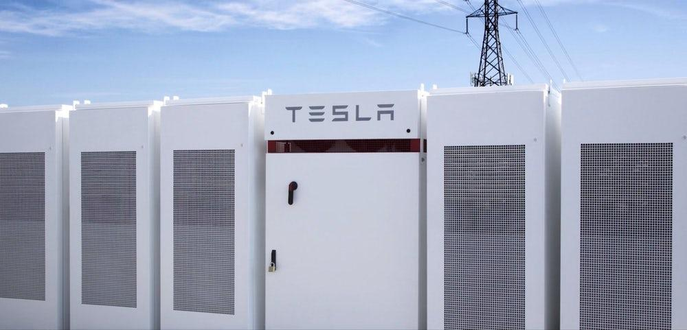 Tesla's storage battery at Hornsdale Wind Farm, currently the world's largest, is set to lose the title to a new battery being built by Simec Zen Energy
