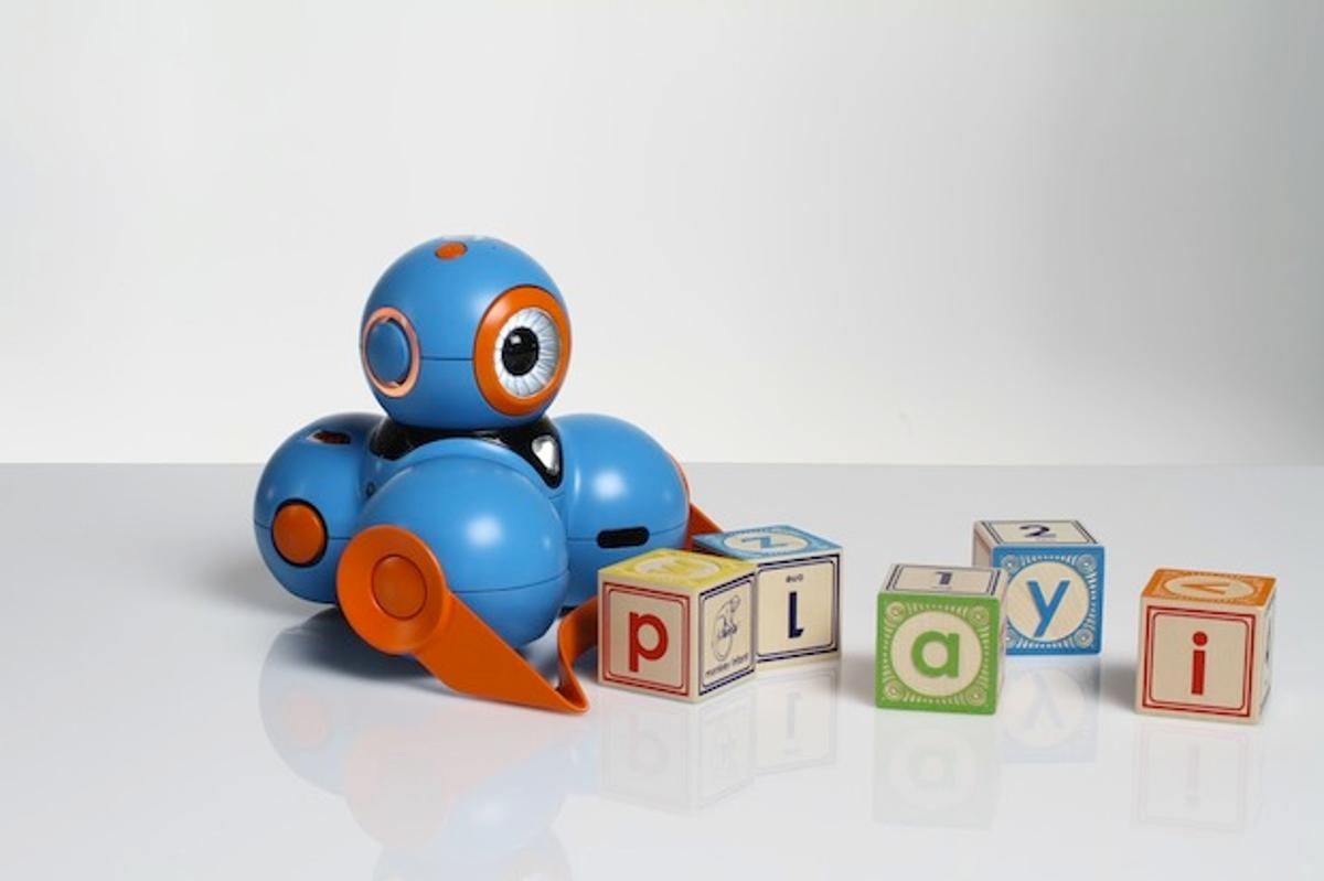 Play-i's robots teach kids the basics of programming while they have fun