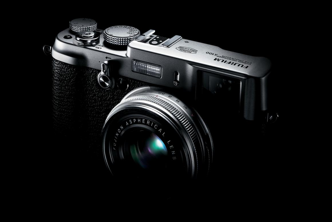 2011 Fujifilm X100 to feature innovative hybrid viewfinder
