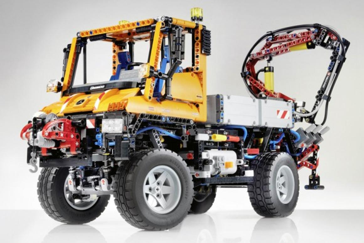 The LEGO Technic Unimog U 400 is the largest LEGO Technic model ever released
